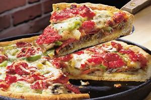 طرز تهیه پیتزا بدون فر در خانه و روی اجاق گاز!