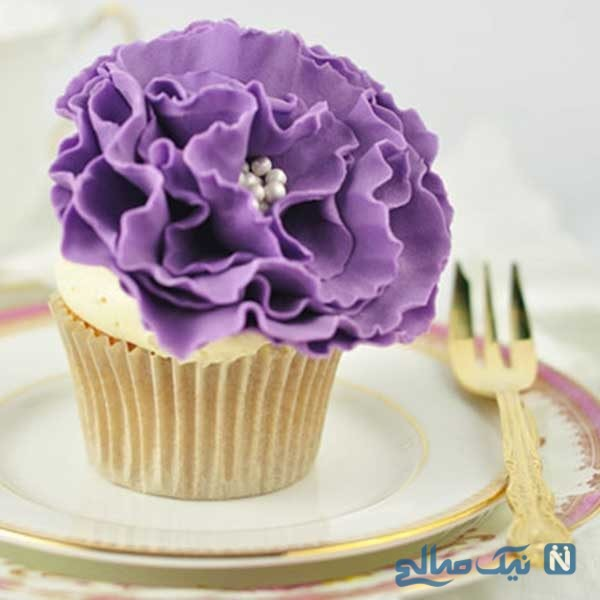 آموزش ساخت گل فوندانت ساده برای تزیین کیک