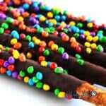 یک شیرینی ابتکاری و بسیار خوشمزه با چوب شور و شکلات!