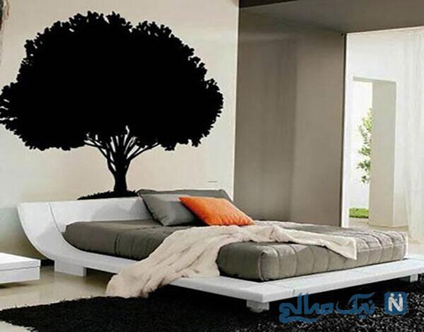 نقش زیبا و مناسب بالای تخت
