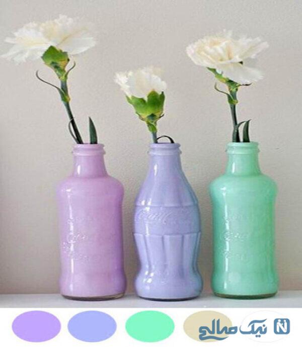 با رنگ کردن شیشه های نوشیدنی از آن ها به عنوان گلدان استفاده کنید