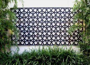 دکوراسیون و تزیینات شیک دیوار حیاط