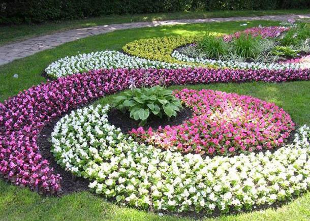 محوطه سازی و فضای سبز حیاط طراوت و نشاط را هدیه می دهد+ تصاویر