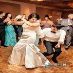 حکم شرکت در عروسى های مختلط چیست؟