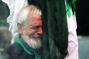 آیا اشک بر مصائب امام حسین می تواند حق الناس را پاک کند؟