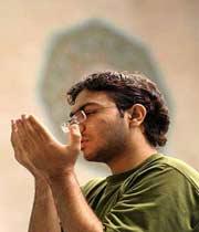 چرا نماز را به فارسی نخوانیم؟!