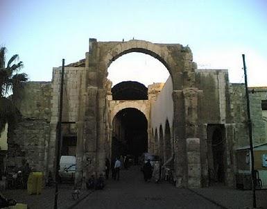 دروازه ساعات ، که اسرای کربلا از آن عبور داده شدند کجاست؟ +عکس