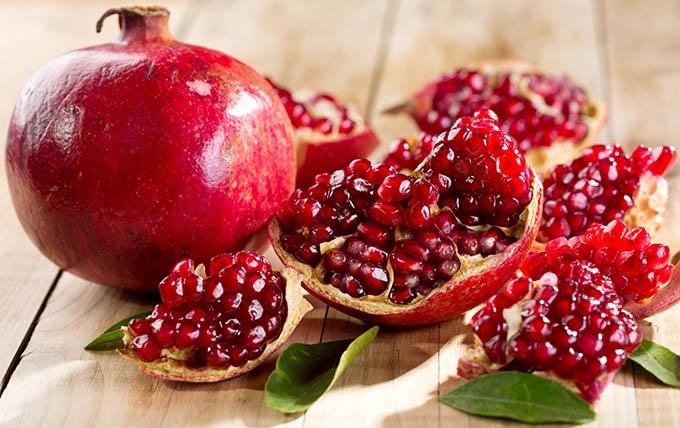 میوههای بهشتی که در سفره بلندترین شب سال ایرانی ها جای دارد