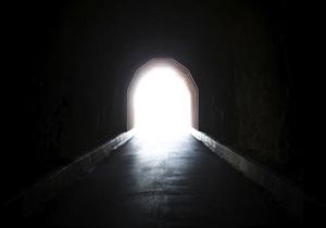 مونس تنهایی انسان در قبر چیست؟