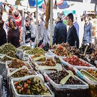 رونق بازارهای محلی |مسافران نوروزی و رونق بازارهای محلی +عکس
