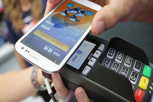 گوشی موبایل جایگزین کارت بانکی