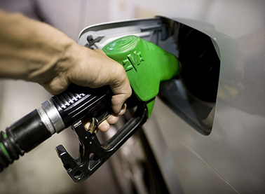 احتمال گرانی قیمت بنزین از ابتدای سال ۹۷