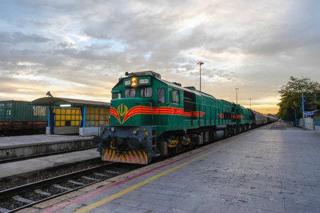 پیشفروش بلیتهای پاییزی قطار