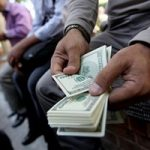 در بازارهای زیرزمینی خرید و فروش تلفنی ارز رونق گرفت