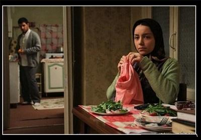 نازنین بیاتی : مادر سه قلو بودن حال خاصی دارد! + عکس
