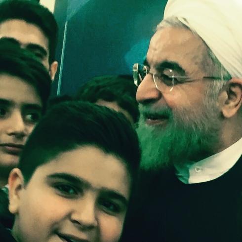 حضور مجری تلویزیون و فرزندش در افطاری رییس جمهور+عکس