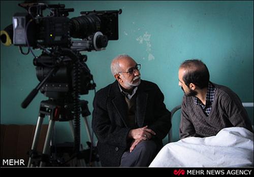عکس هایی جالب از پرویز پرستویی در پشت صحنه فیلم سینمایی میهمان داریم