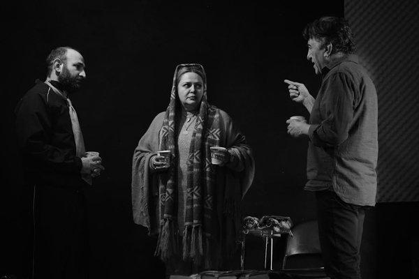 همکاری رضا کیانیان و پسرش برای نمایش یک تئاتر!