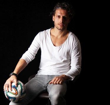 اشپیتیم آرفی فوتبالیست خارجی در سریال ایرانی+تصاویر