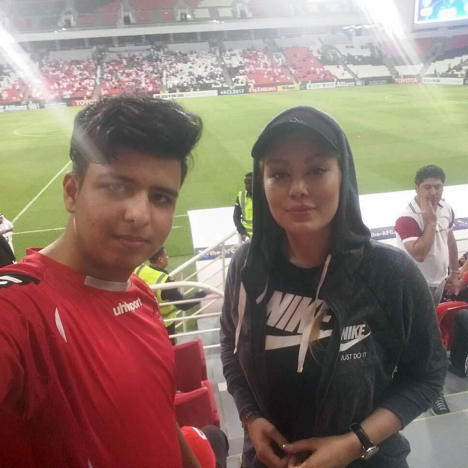 سحر قریشی در استادیوم فوتبال