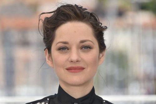 گلشیفته در صد چهره برتر سال زنان