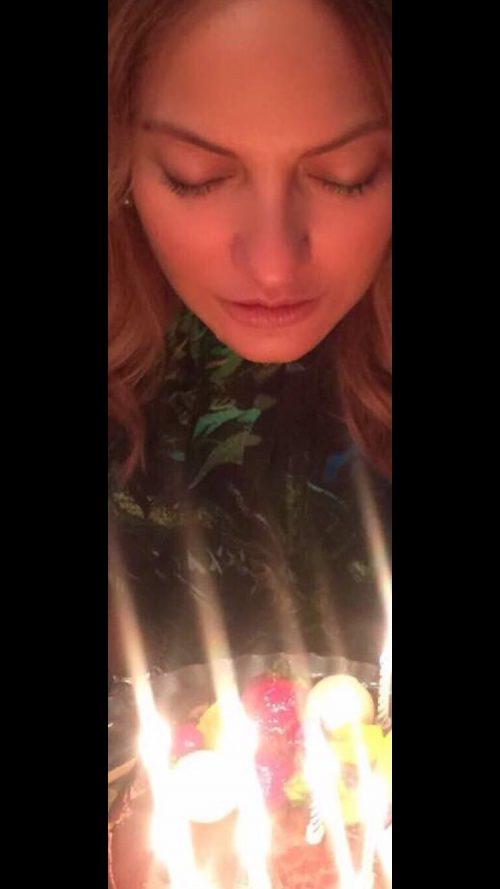 استوری اینستاگرام چهره ها-253