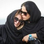 تشییع پیکر ضیاءالدین دری با حضور چهره های مشهور و خواندن آهنگ محبوب او توسط دخترش!