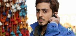 دست فروشی بازیگر سریال تلویزیونی «گاندو» در پاریس