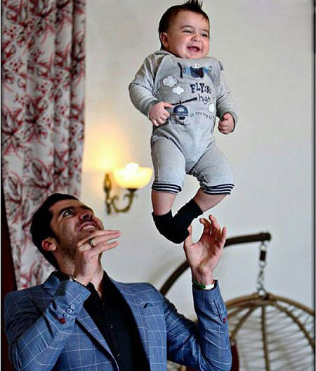 شهرام محمودی در کنار همسر و پسرش آرسام+تصاویر