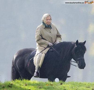 اسب سواری ملکه ۸۹ ساله انگلستان! +تصاویر