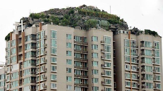 ساختن کوه روی طبقه ۲۶ام ساختمان!!+تصاویر