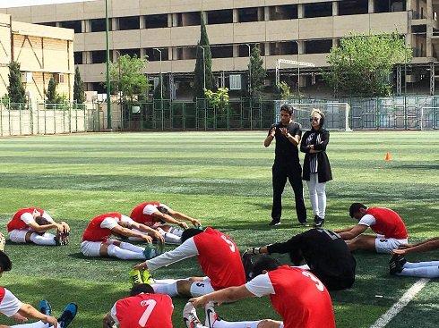 تیپ همسر سپهر حیدری در آکادمی فوتبال!+تصاویر