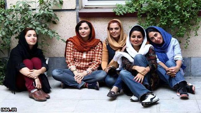 عکس هانیه توسلی و دوستانش در فیلم مردن به وقت شهریور