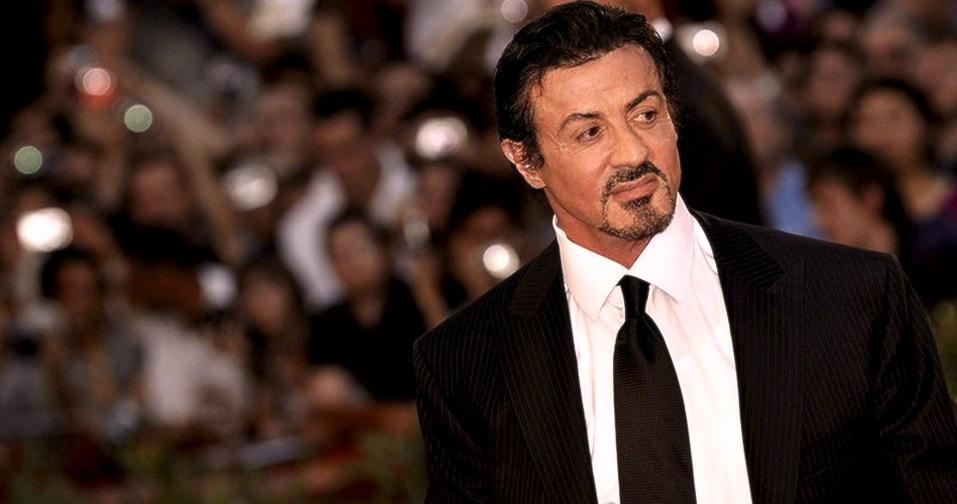 سلفی «سیلوستر استالونه» ستاره سینمای هالیوود قبل از حمله تروریستی فرانسه!+تصاویر