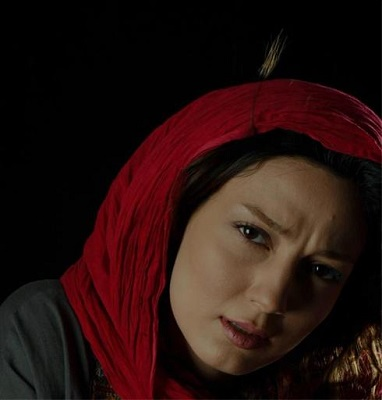حدیث میرامینی, دختر کتاب خوان سینما!+عکس