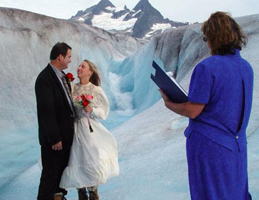 ازدواج در مکان هایی متفاوت+تصاویر