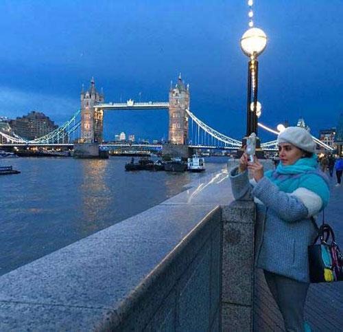 تیپ آبی رنگ الناز شاکردوست در لندن+تصاویر