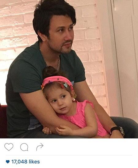 شهرام قائدی و شاهرخ استخری به همراه دخترشان!+تصاویر