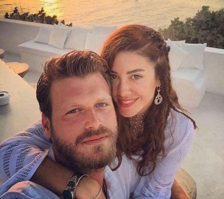 سلفی بازیگر سریال «عشق ممنوع» و نامزدش در کنار دریا+عکس