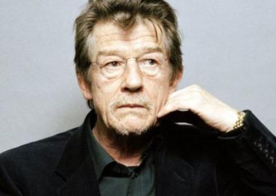 بازیگر سرشناس بریتانیایی در سن ۷۷ سالگی درگذشت!+تصاویر