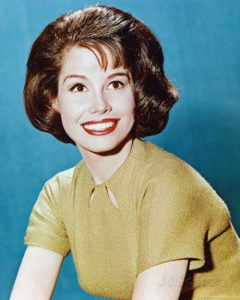درگذشت مری تایلر مور بازیگر سرشناس آمریکایی!+تصاویر