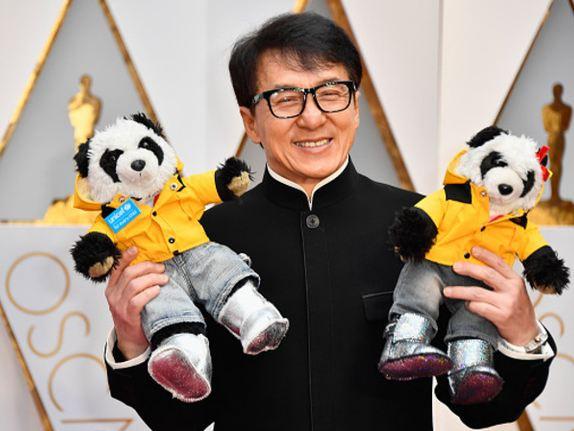جکی چان بازیگر کره ای و حضوری جالب بر روی فرش قرمز اسکار۲۰۱۷+تصاویر