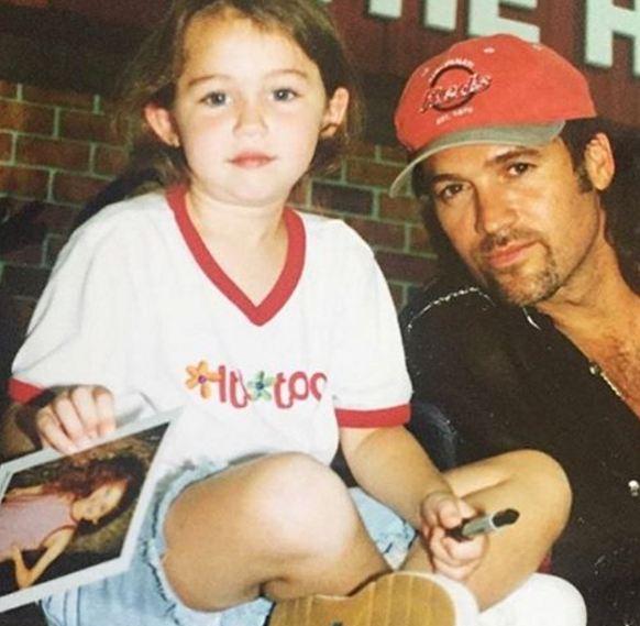 مایلی سایرس در کودکی