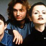 خواننده مشهور زن گروه کرنبریز در ۴۶ سالگی درگذشت!
