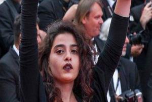 حمایت منال عیسی بازیگر ۲۶ ساله لبنانی از مردم فلسطین!