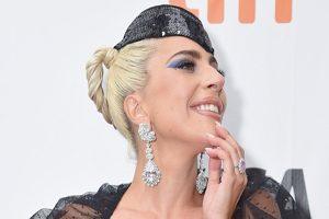 حلقه نامزدی ۳۰۰ هزار دلاری لیدی گاگا خواننده مشهور +تصاویر