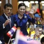 مترو سواری ملکه و پادشاه تایلند در بحبوحه اعتراضات گسترده مردم