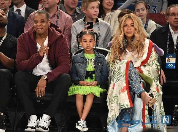 شباهت رپر مشهور آمریکایی جی زی و دخترش بلو آیوی را ببینید