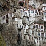 صومعه ای با معماری عجیب +تصاویر