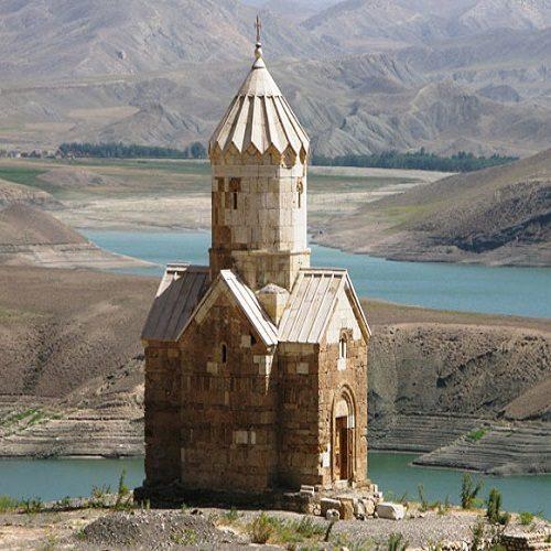 کلیسای زور زور یکی از دیدنی ترین بناهای تاریخی ایران +تصاویر